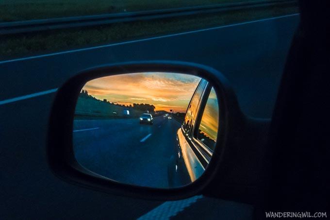 specchietto-autostrada-tramonto-WanderingWil