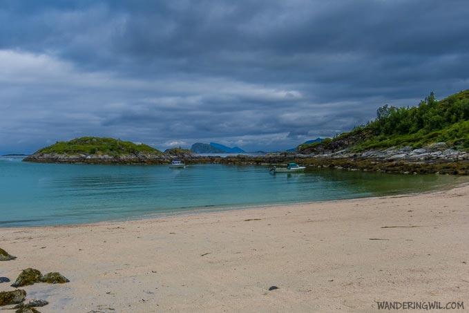 spiaggia-fiordo-WanderingWil