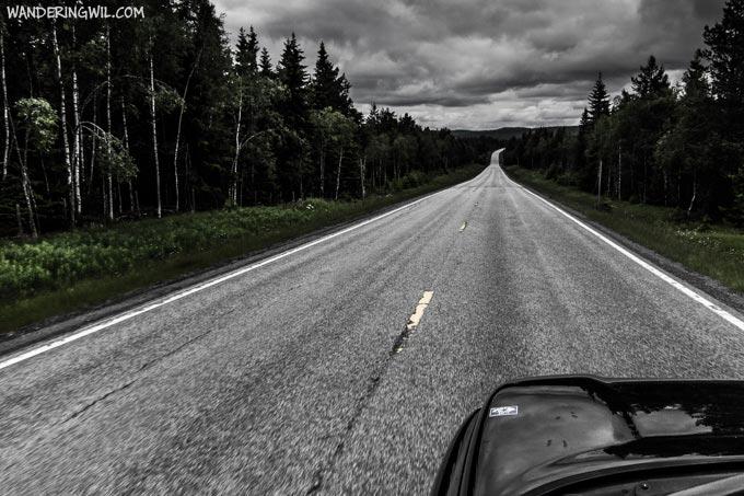 strada-deserta-horror-WanderingWil