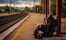 zaino-fermata-treno-WanderingWil