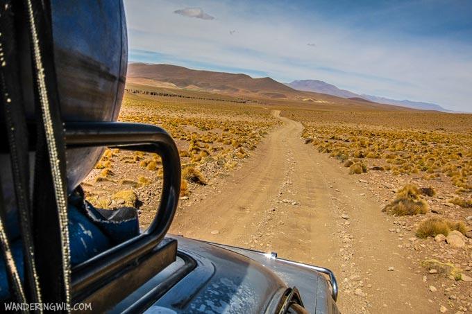 strada-bolivia-wandering-wil