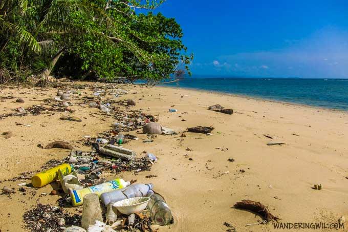 spazzatura-spiaggia-koh-maak-wandering-wil